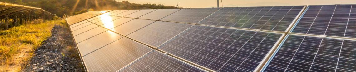 Solar und Windkraftwerk